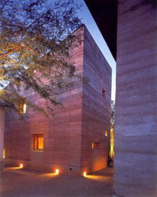 Rammed Earth Machine For Sale http://www.eartharchitecture.org/index.php?/archives/791-Rammed-Earth-For-Sale.html